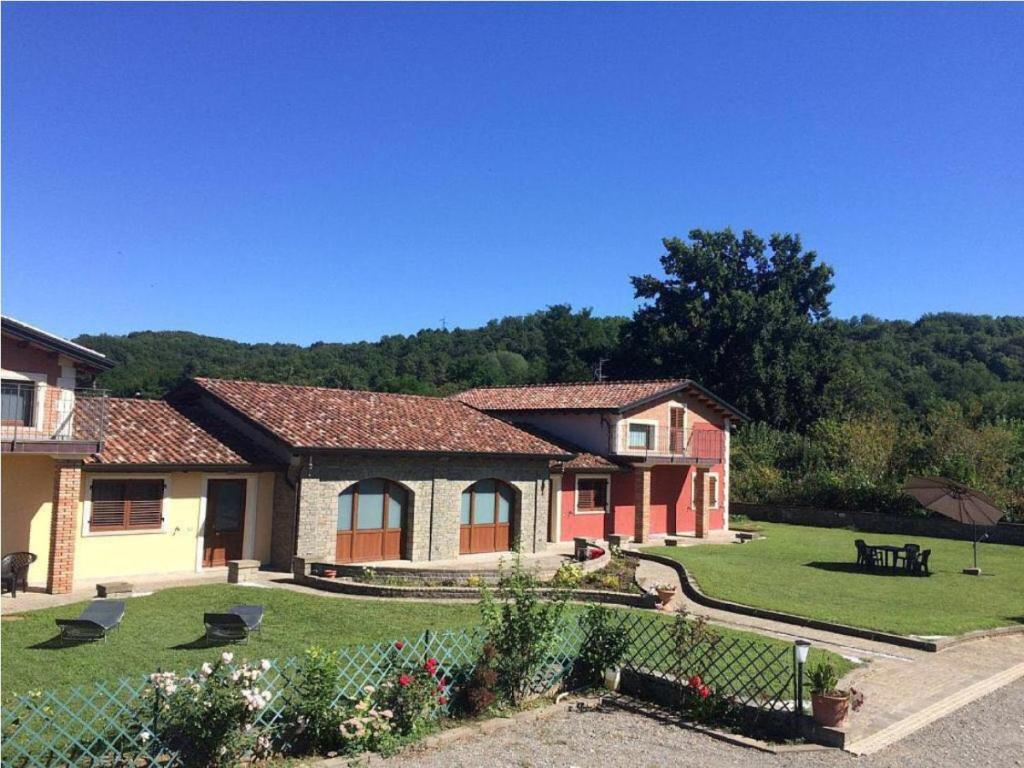 Villa CASA VACANZA con piscina (Italië Villafranca in ...