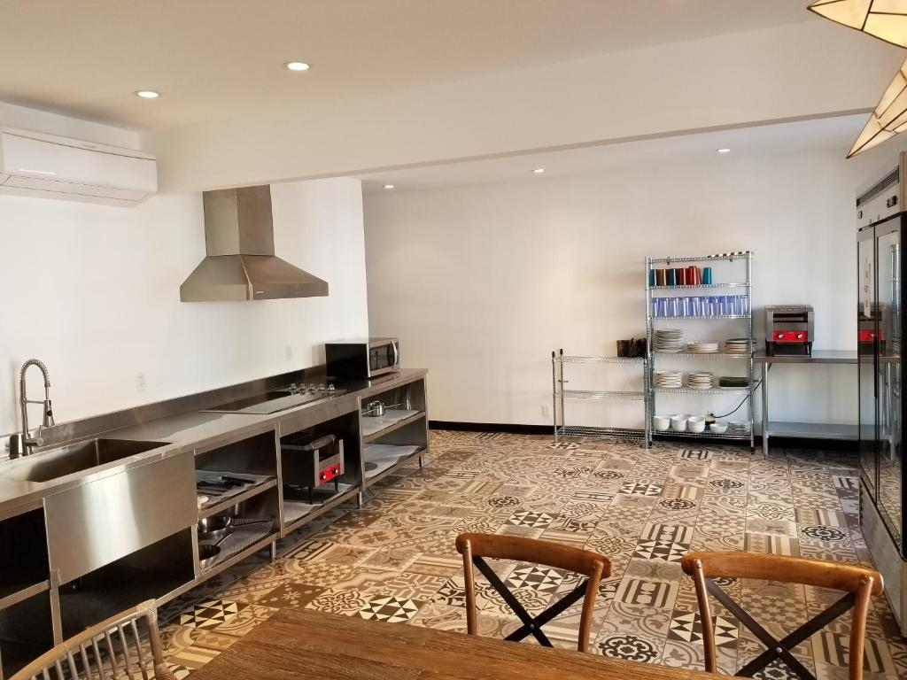 Walk of Fame Hostel, Los Angeles – Updated 2018 Prices