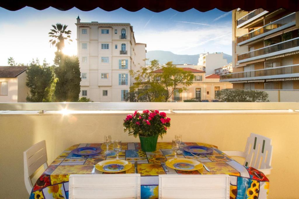 résidence méditerranée, menton, france - booking