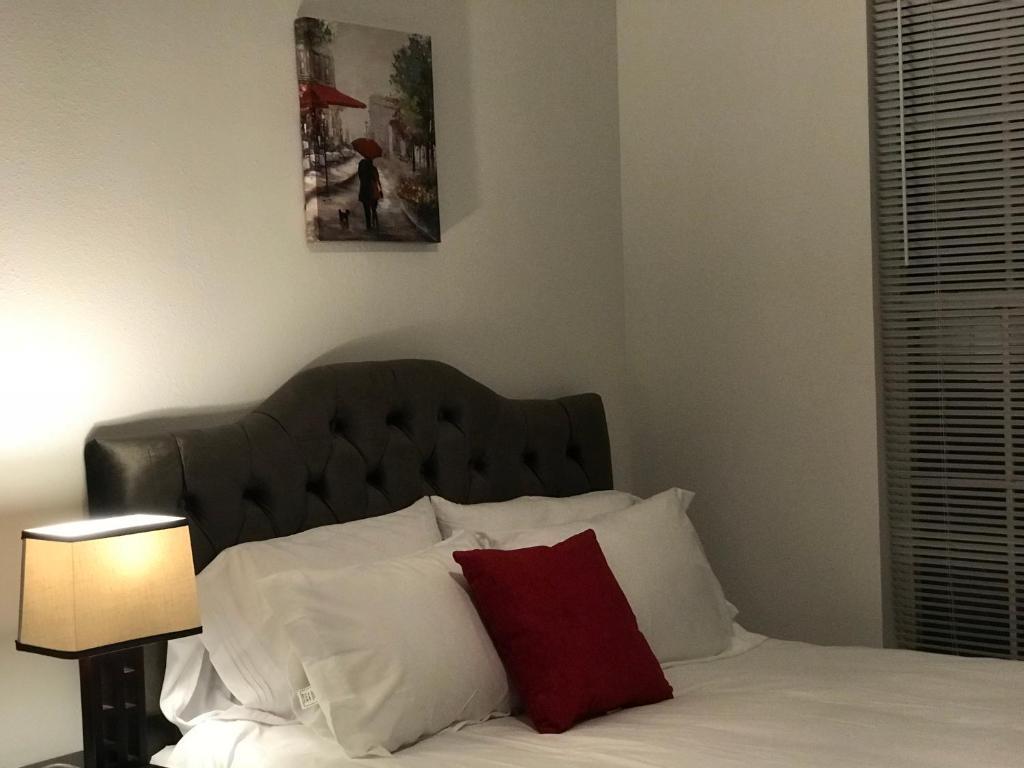 https://t-ec.bstatic.com/images/hotel/max1024x768/125/125819796.jpg