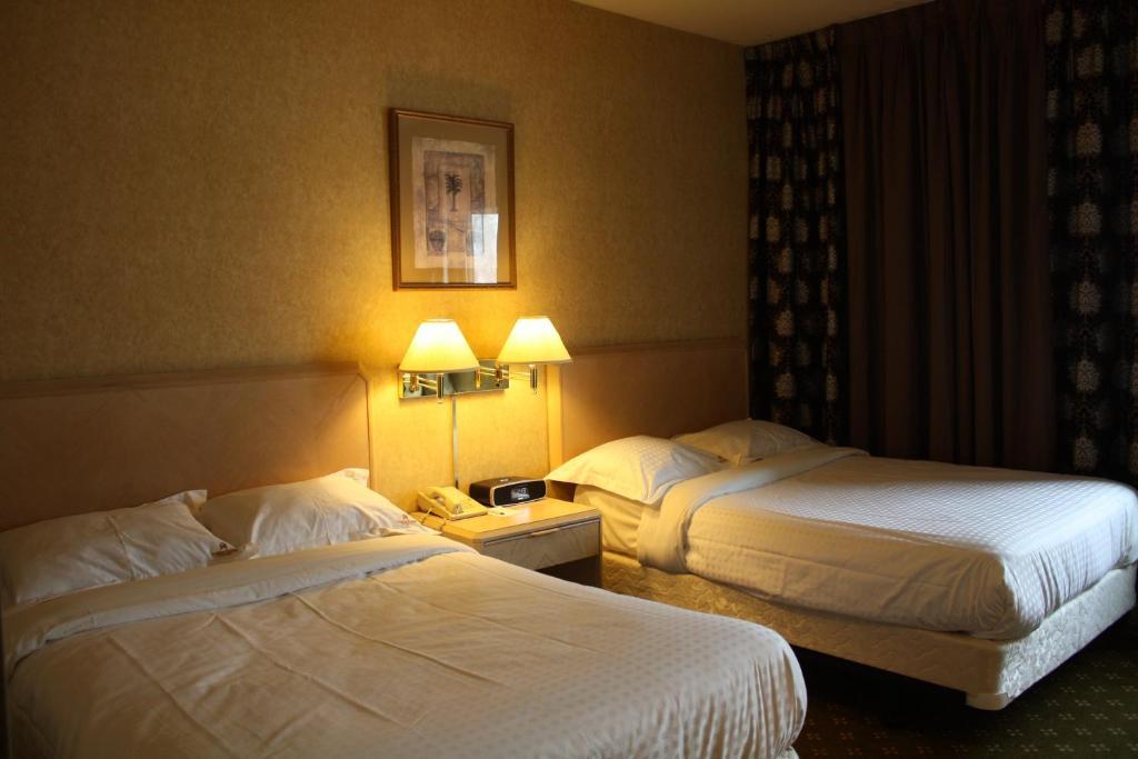 Garden Suite Hotel Resort Los Angeles CA Bookingcom