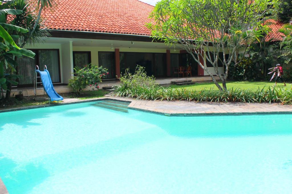 ragunan creative villas jakarta indonesia booking com rh booking com