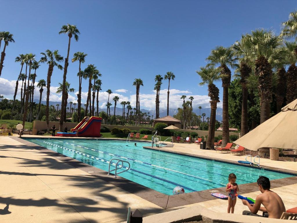 Vacation Home Palm Desert Palm Valley Country, CA - Booking.com