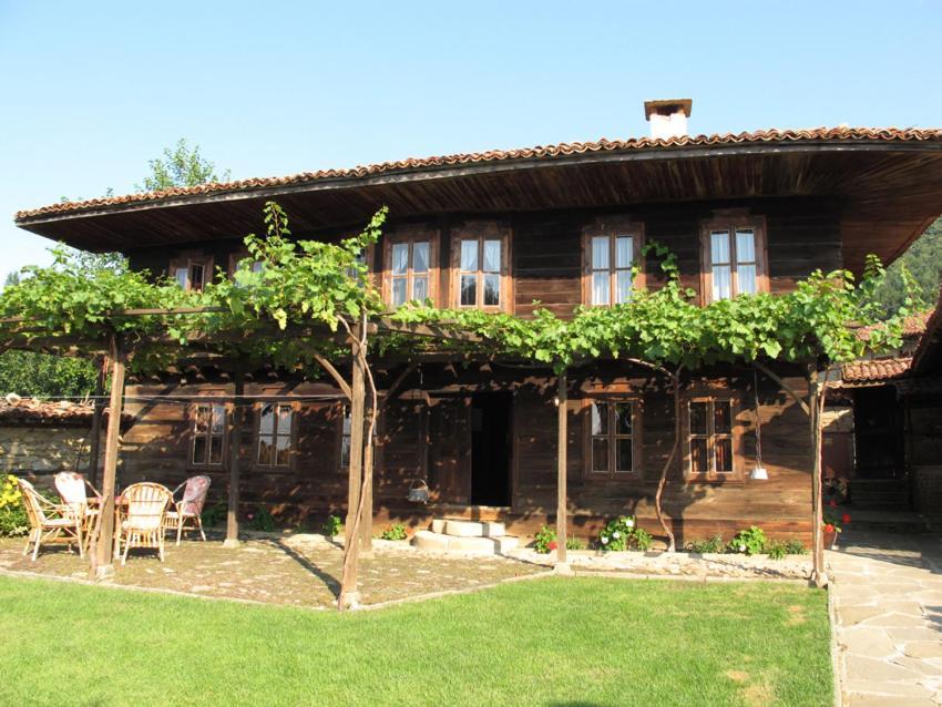 Къща за гости Хаджигергевата къща - Жеравна