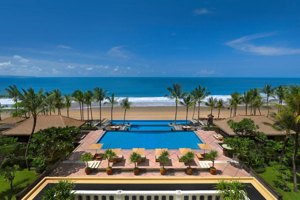 Resort the legian bali seminyak indonesia for Best hotels to stay in bali indonesia