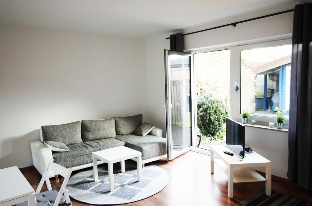 Design Apartment Oldenburg Germany Booking Fascinating Decorating An Apartment Property