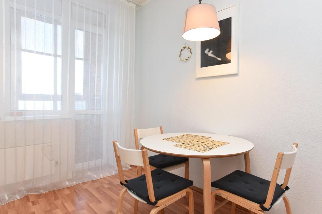 Apartments on Malysheva 4