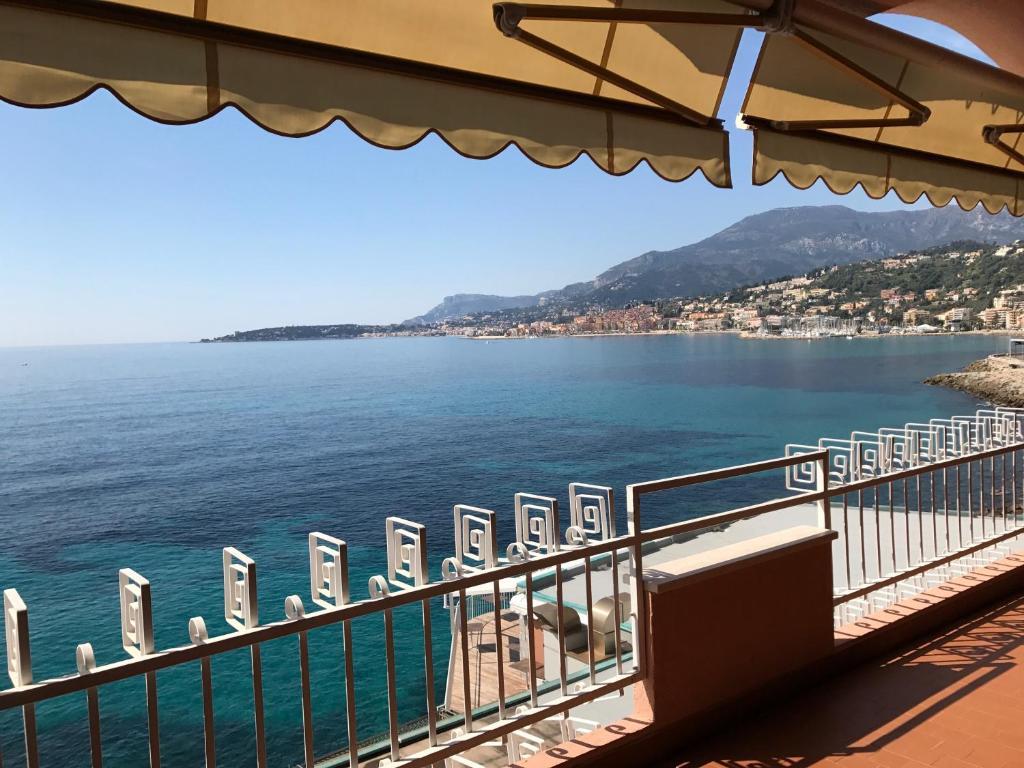 Apartment Una terrazza sul mare, Ventimiglia, Italy - Booking.com