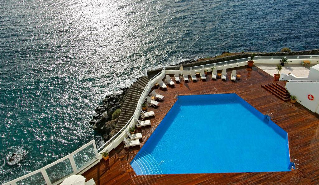 A view of the pool at Vincci Tenerife Golf or nearby