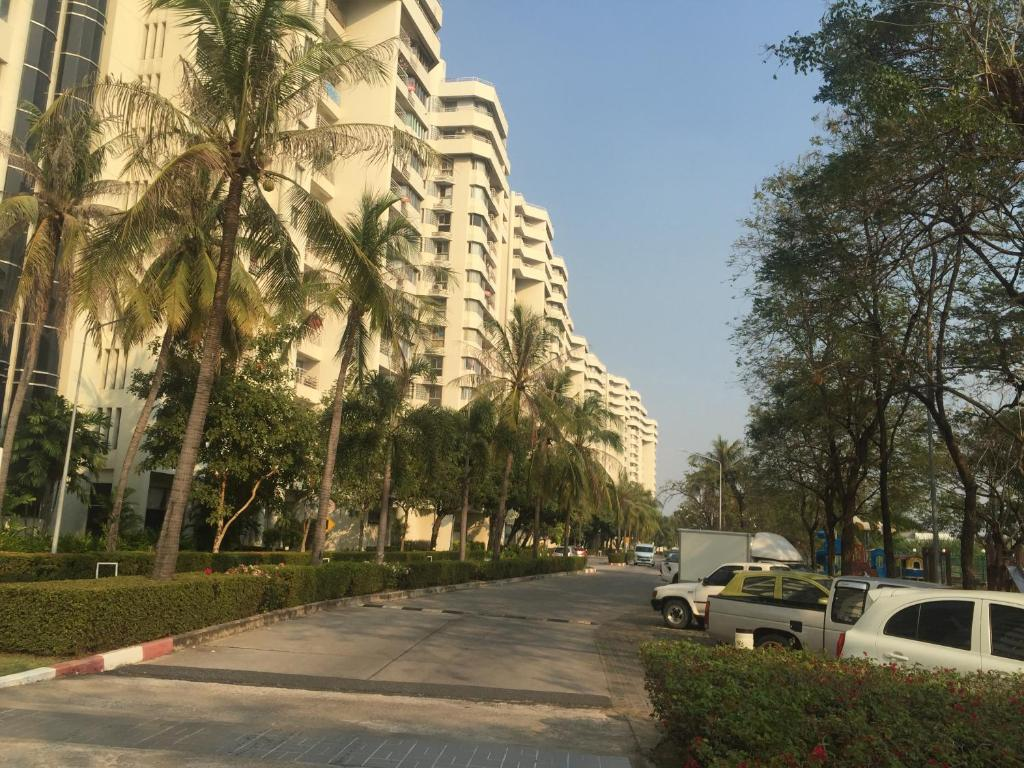 Apartments In Ban Khlong Bang Sao Thong Samut Prakan Province