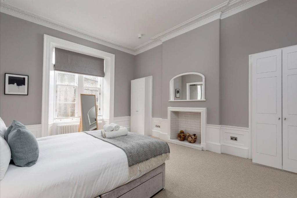 Torphichen Street 5 Star Luxury Apartment, Edinburgh, UK - Booking com