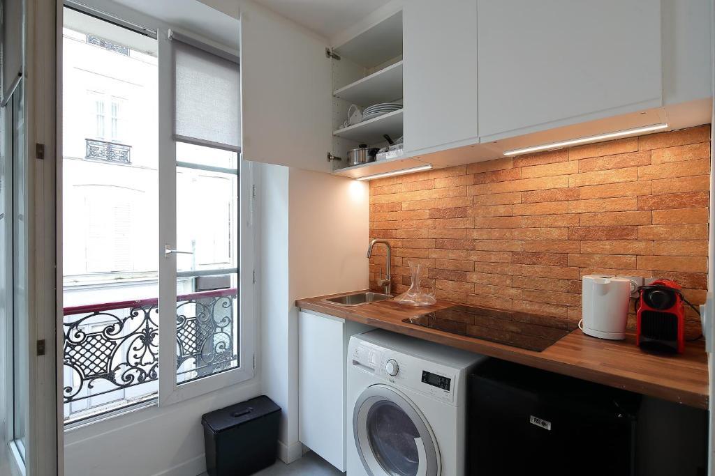 apartment studio de charme proche tour eiffel et rue cler paris