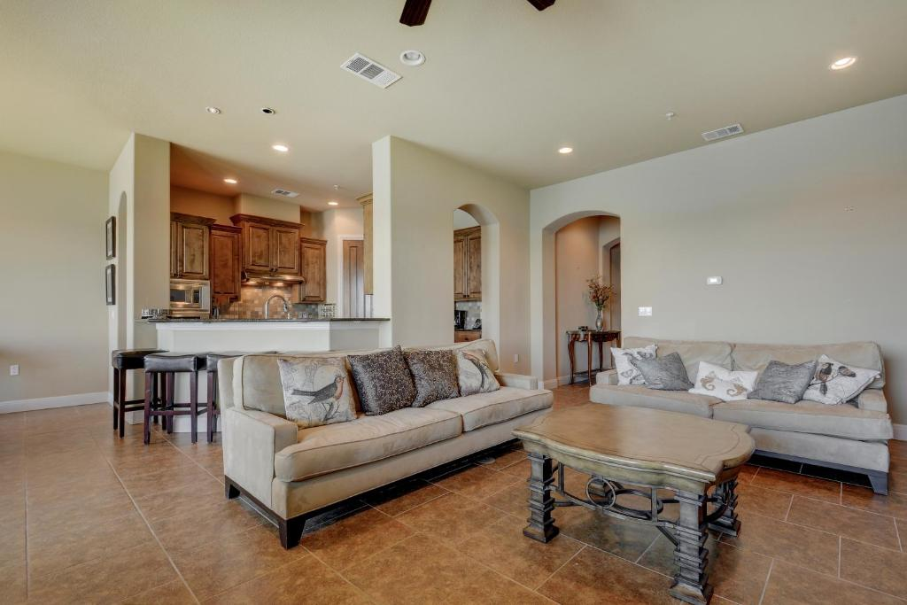 Apartments In Briarcliff Texas
