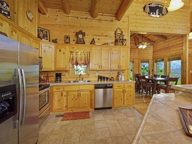 Luvin Logs Lodge Cabin Sevierville Tn Booking Com