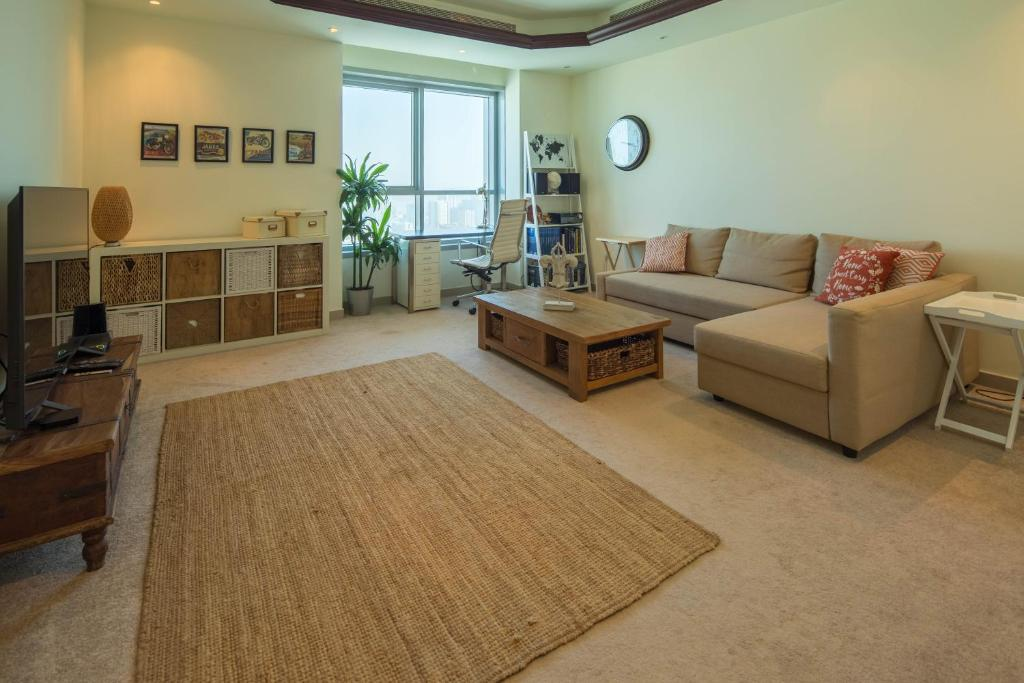 One Bedroom Apartment - Corniche To (VAE Ajman ) - Booking.com