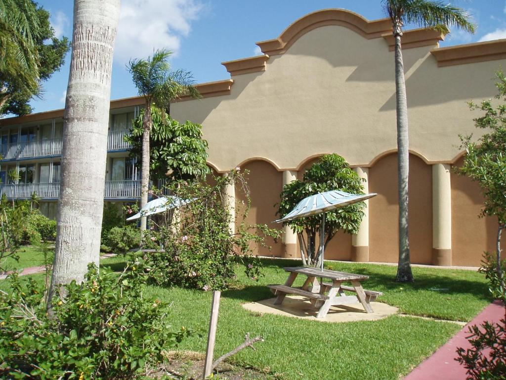 Red Carpet Inn Fort Lauderdale Florida Review Home Co