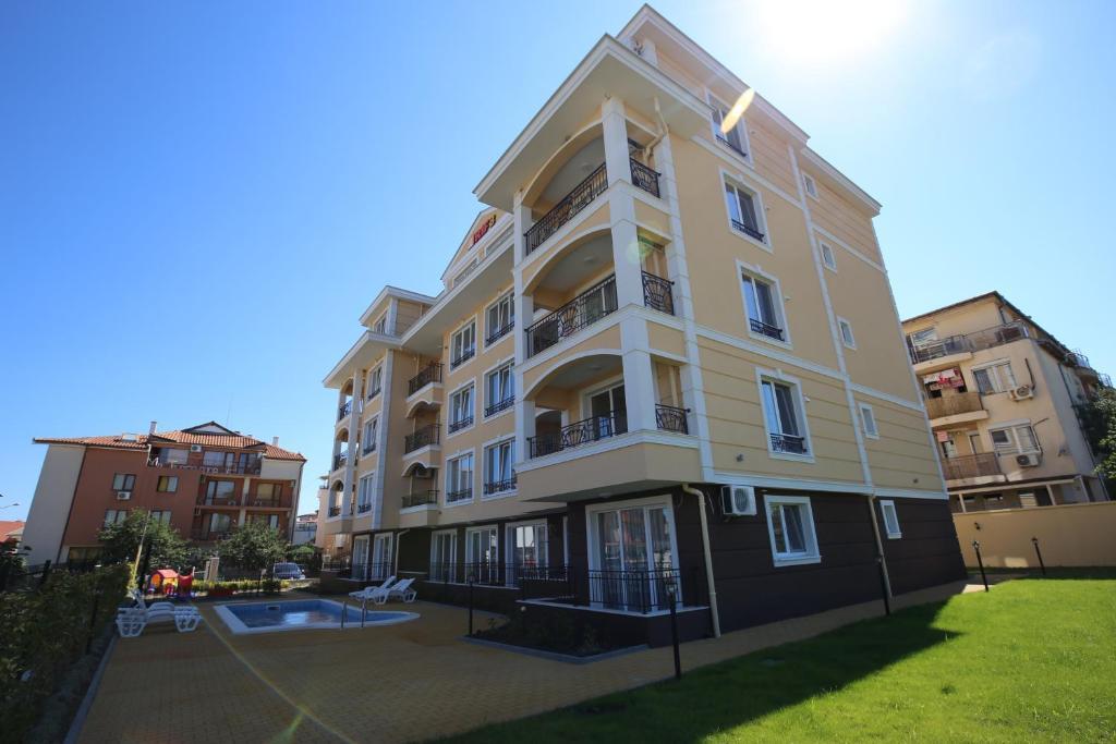 Хотел Апартаментs in RIF 3 - Равда