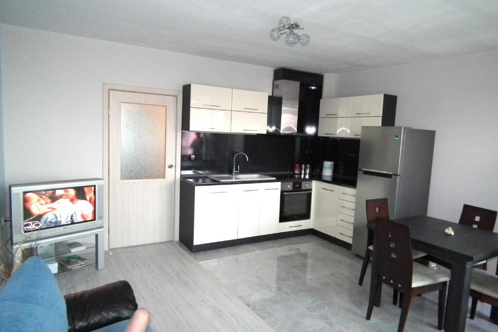 Апартамент Ivanovi - Лозенец