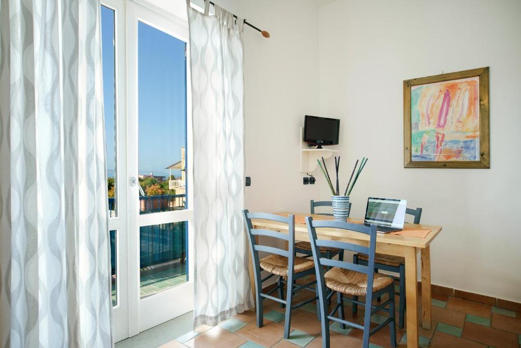 Gioia 37 Apartments, Procida, Italy - Booking.com