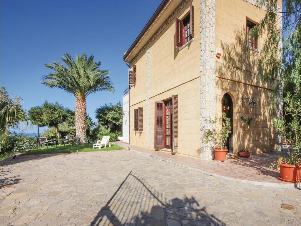 Nearby hotel : Holiday home Villa Lina
