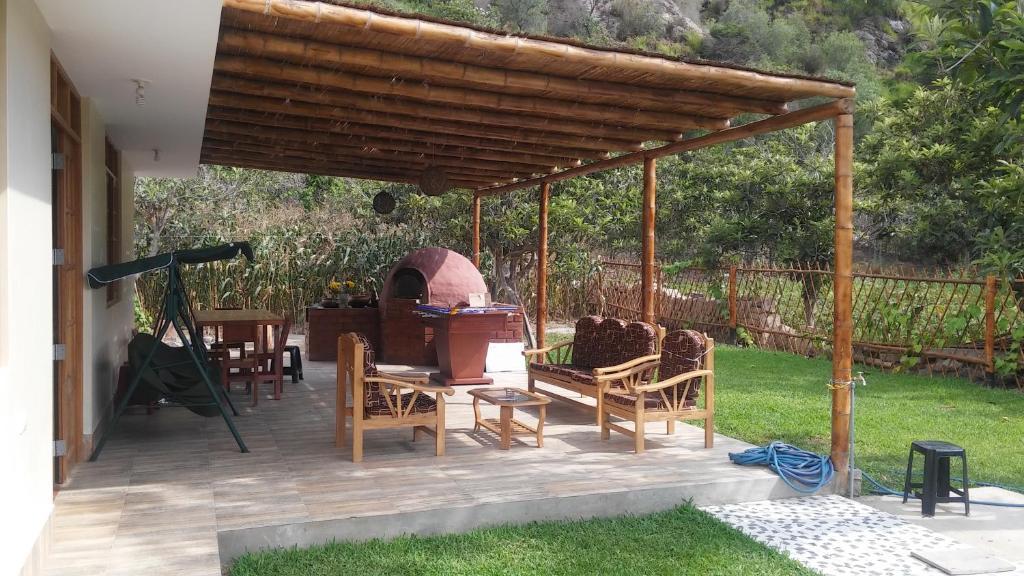 Casa de campo chinkay lunahuana lunahuan precios for Casa de campo con piscina privada