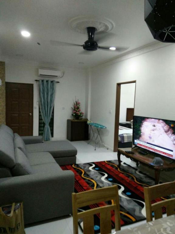 Tokwan Homestay Seri Manjung Harga Terkini 2018