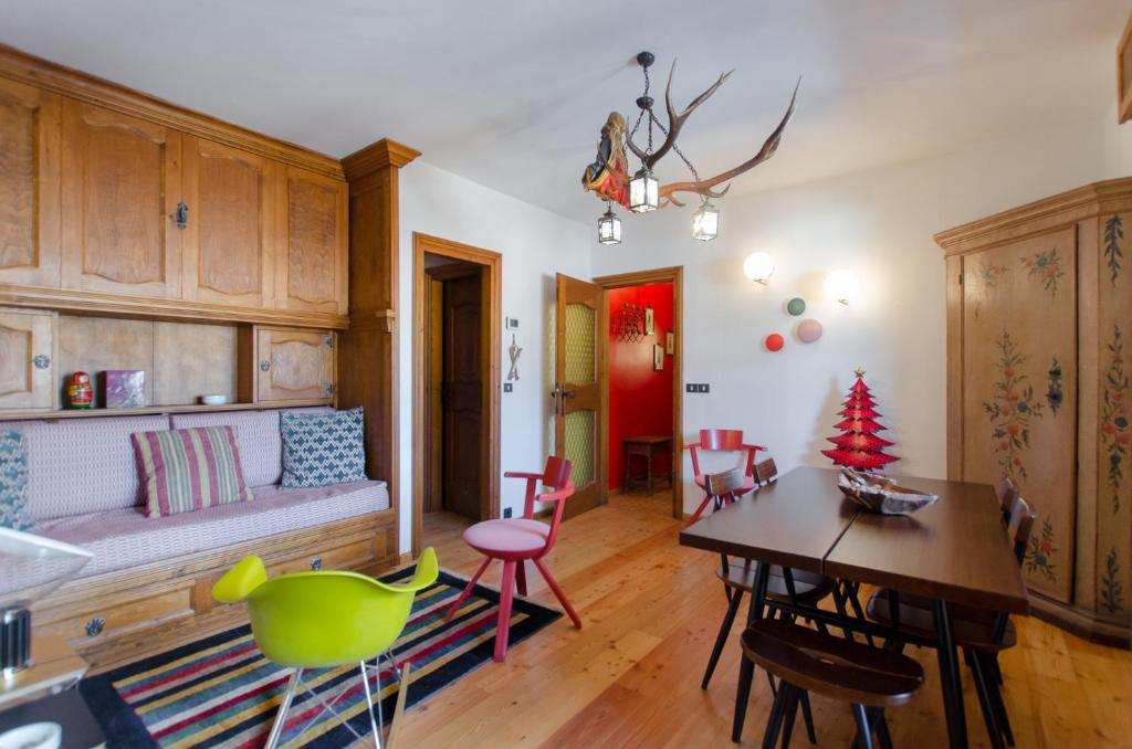 contemporary design apartment コルティーナ ダンペッツォ 2018年