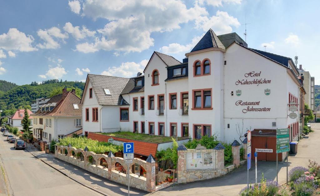 Hotel Naheschlößchen (Deutschland Bad Münster am Stein-Ebernburg ...