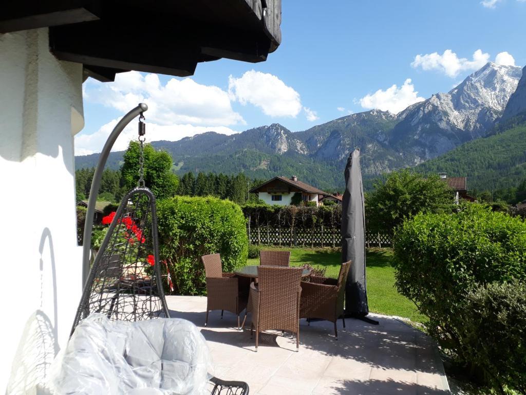 Pension Haus Florian (Deutschland Grainau) - Booking.com