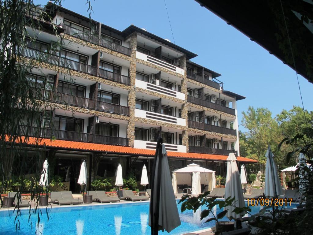Апартамент Paradise Green Апартаментs - Приморско