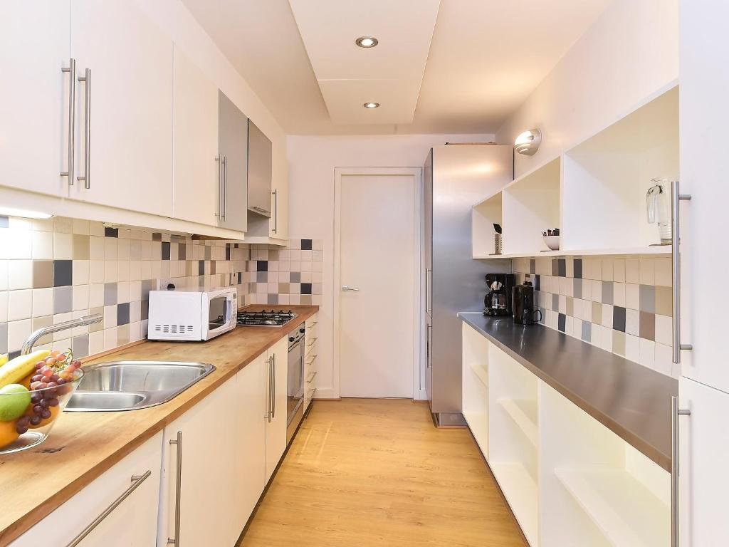 Apartment design works london uk for Apartment design london