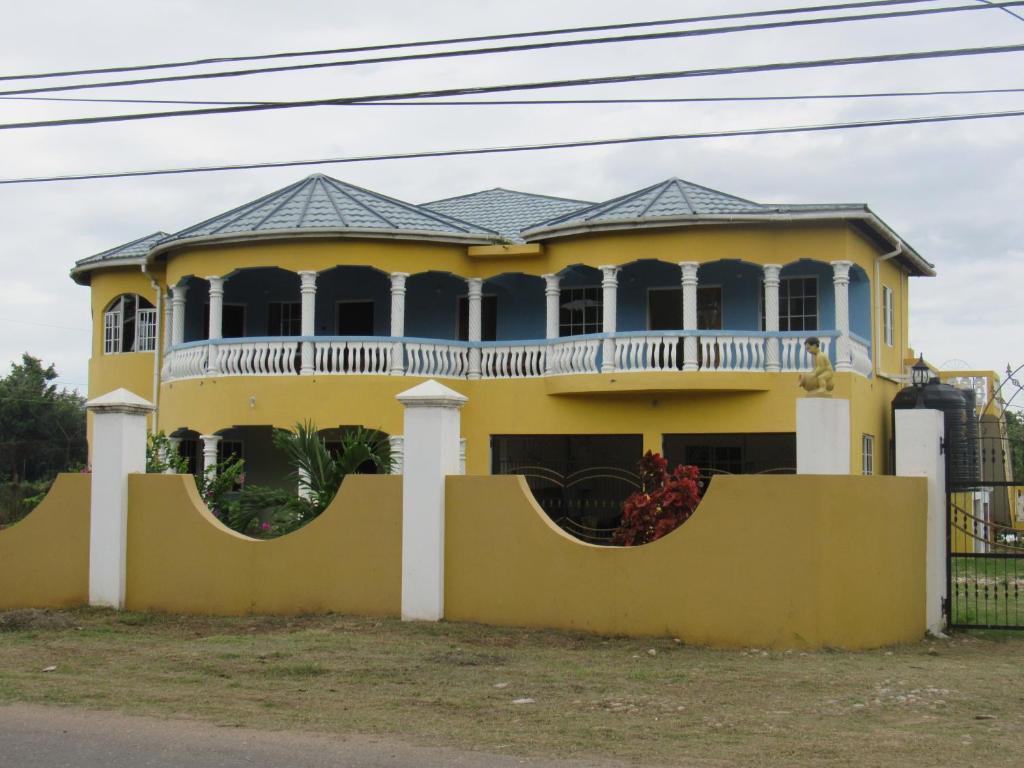 Apartments In Kupuis Clarendon