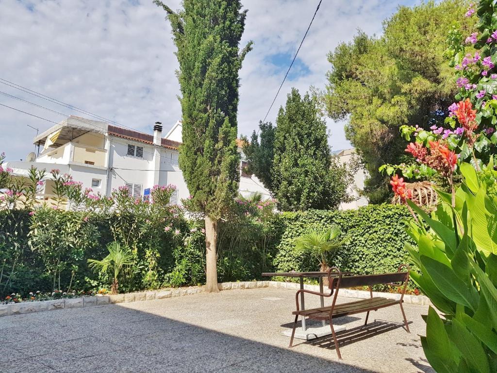 Apartment Luna, Vodice, Croatia - Booking.com