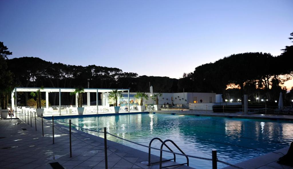 Nearby hotel : La Serra Holiday Village & Beach Resort