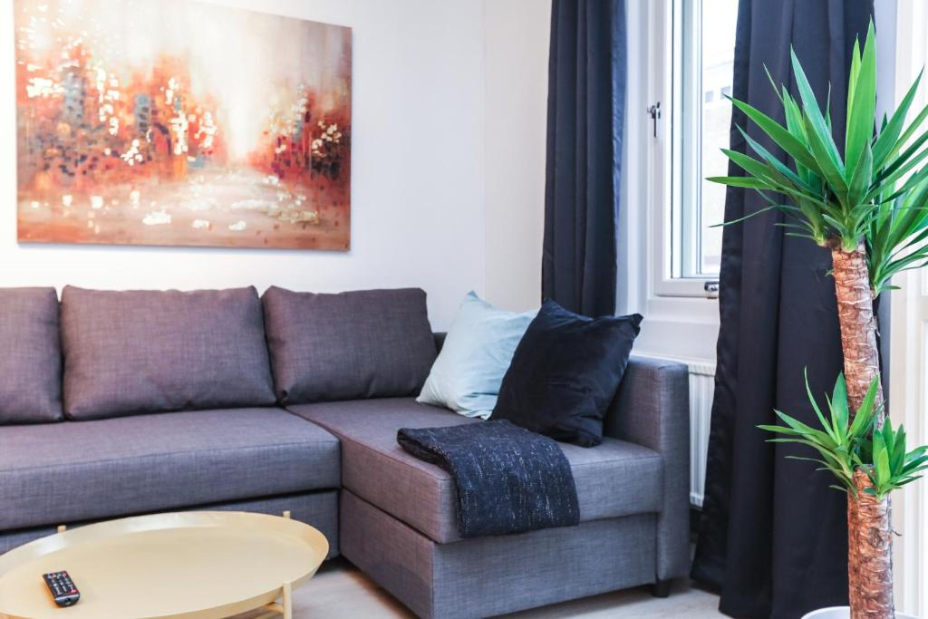 A seating area at Apartments Smalgangen
