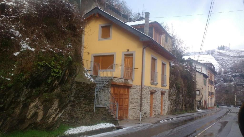 Casa rural las mestas cangas del narcea precios actualizados 2019 - Casa rural las mestas ...