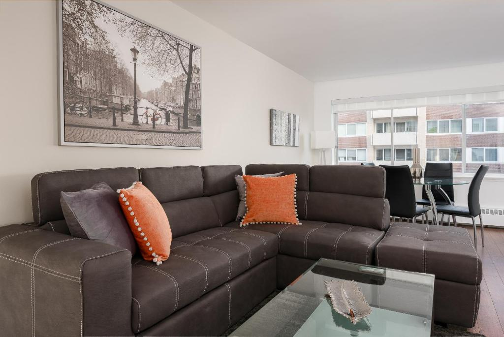 Luxury 1 Bedroom Apartment Downtown Montreal 01 Canada