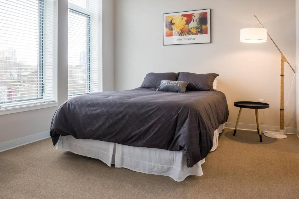 of milwaukee in tag hotels me luxury near ideas realtor cheap unit apartments room wi w wisconsin ave bedroom