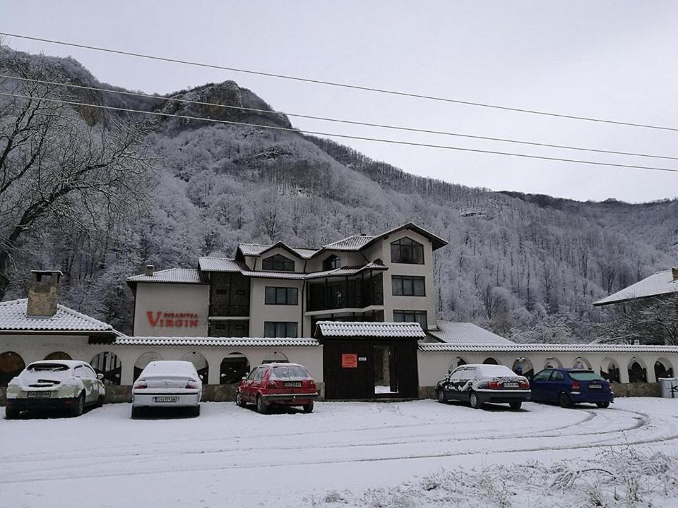 Хотел Семеен хотел Вирджин - Рибарица