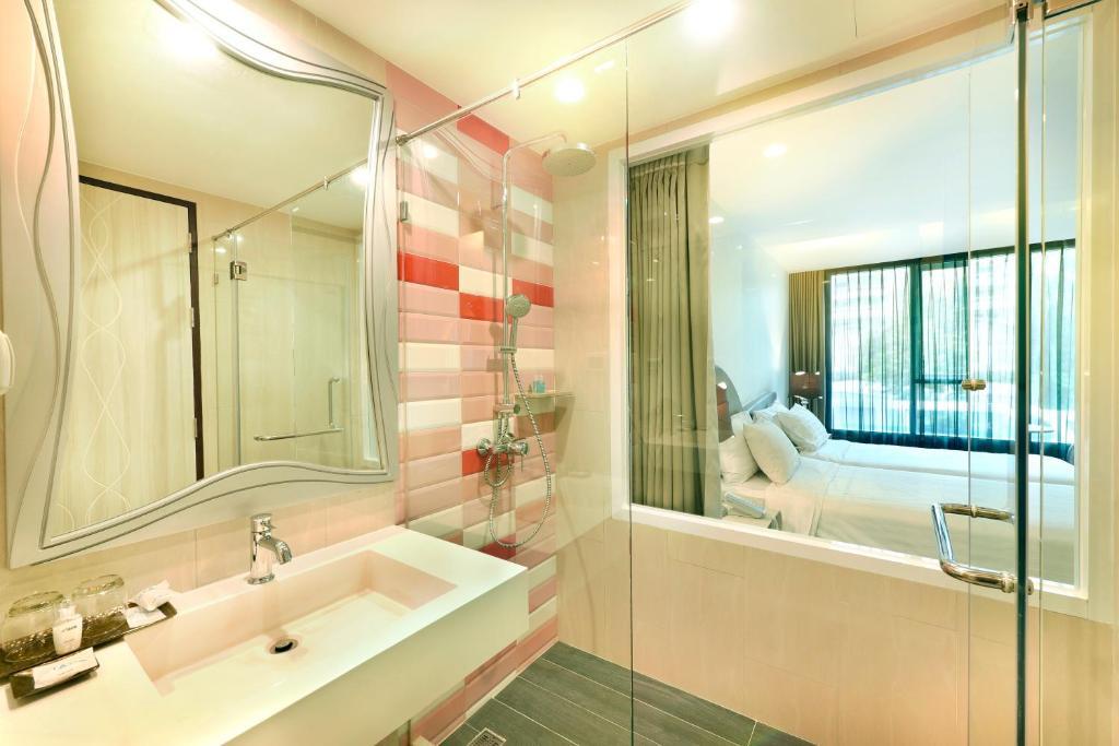 Le Tada Parkview Hotel Thailand Bangkok Booking Com