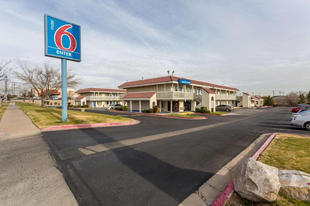 Motel 6 El Paso East Tx Booking Com