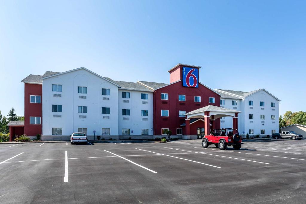Motel  Southport Indiana