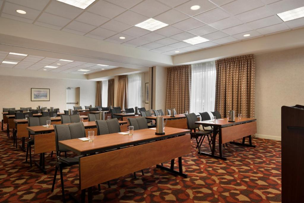 gallery image of this property - Hilton Garden Inn Wilkes Barre
