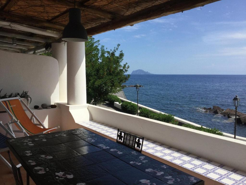 La terrazza sul mare, Santa Marina Salina – Updated 2018 Prices