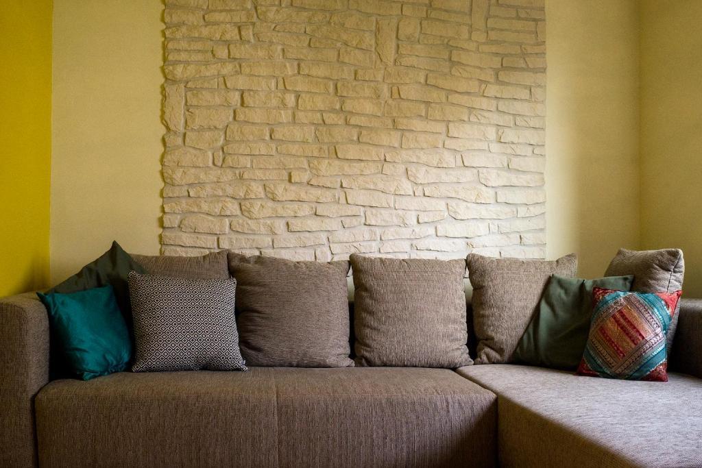 Ein Sitzbereich In Der Unterkunft Apartment Mao: An Entire House Floor  Close To The Beach