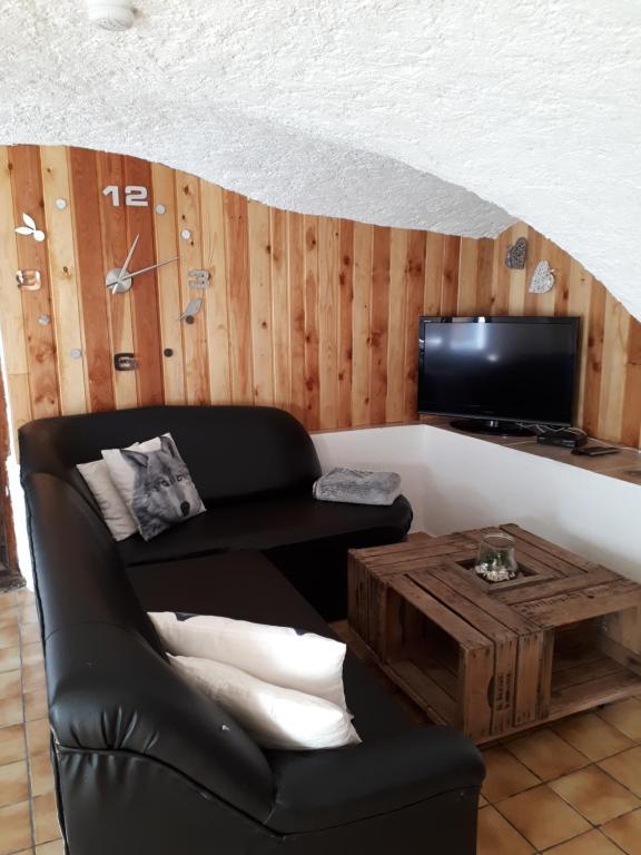 Apartments In Puy-sanières Provence-alpes-côte D