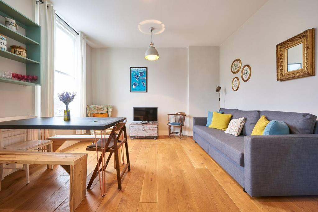 Apartment Colourful 2 Bed Duplex In East London Wbalcony Uk