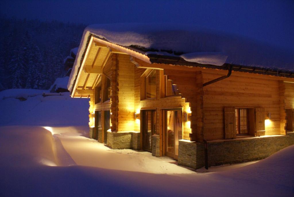 Chalet du Chef Ski et Golf during the winter