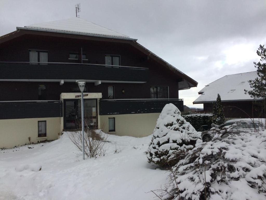 L'établissement Le Bouquetin 14 en hiver