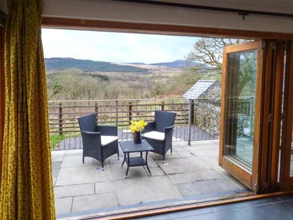 A balcony or terrace at Y Beudy, Blaenau Ffestiniog